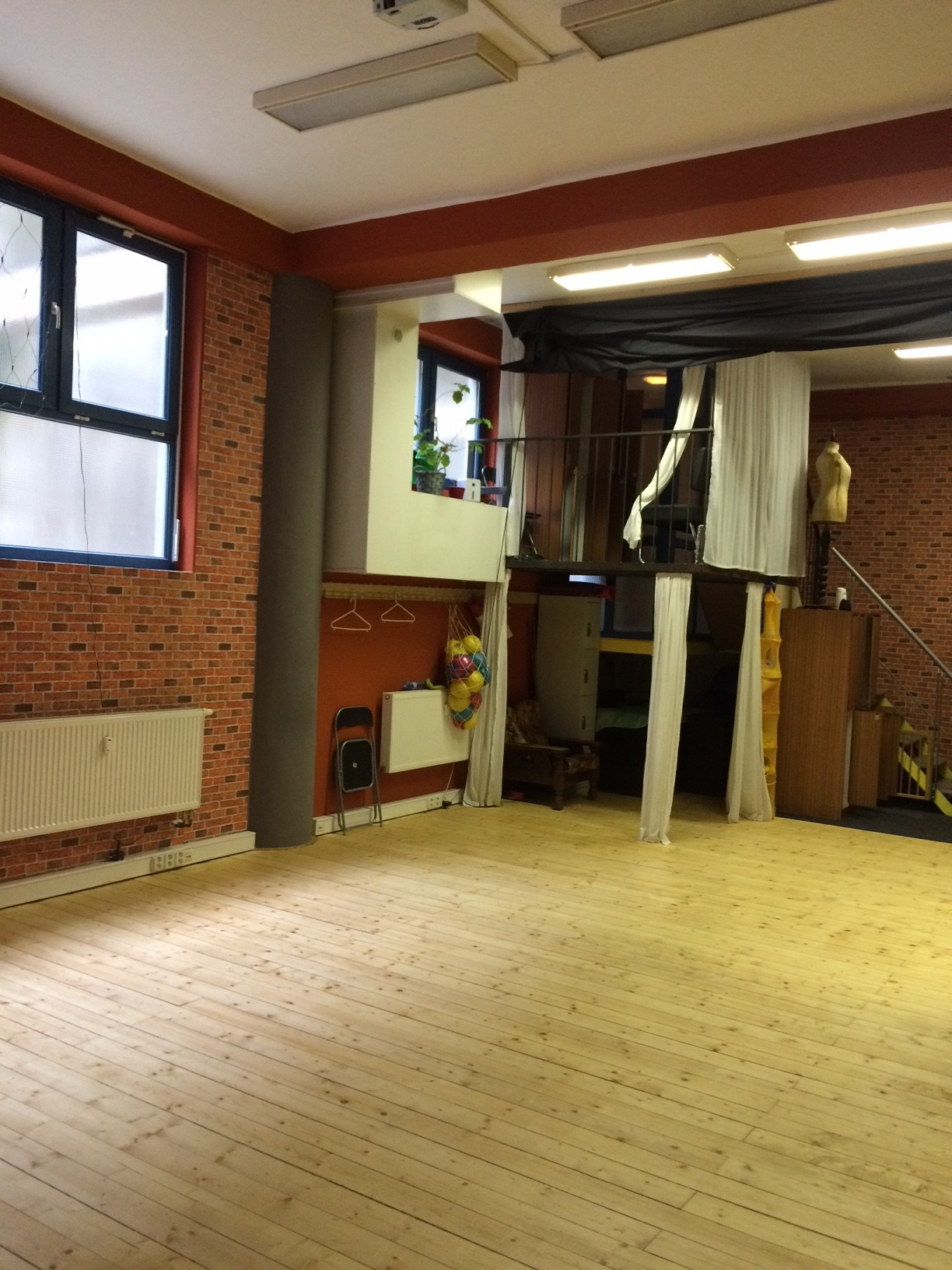 Prostor ke cvičení Sauna Hadovka.